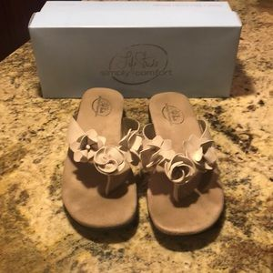 Life Stride Simply Comfort Sandals Size 7.5 M